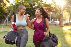 Twee Vrouwen Die Werken Aan Hun Gezondheid Door Te Sporten
